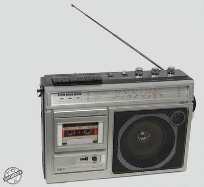 4 Band radio cassette recorder NEC RM-360E